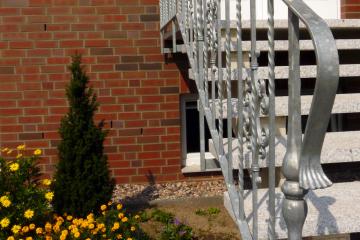Treppengeländer Kunstschmiede silber
